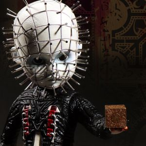 Living Dead Dolls Hellraiser III: Hell on Earth Pinhead