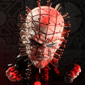 Hellraiser III: Hell On Earth Deluxe Stylized Pinhead