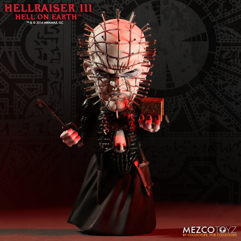 Hellraiser III: Hell On Earth Deluxe Stylized Pinhead by Mezco Toyz
