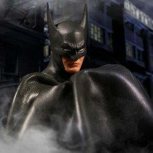 One:12 Collective Batman: Ascending Knight